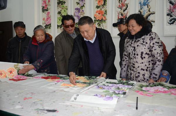 国际志愿者日  洛阳市文艺志愿服务进基层