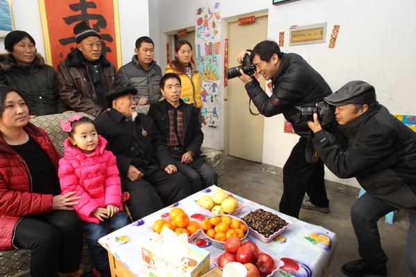 """省摄影家协会""""送文化下基层""""走进鄢陵"""