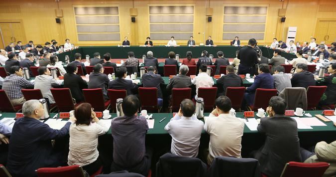 谢伏瞻在全省文艺工作座谈会上强调把准创作导向多出精品力作努力推动中原文艺繁荣发展