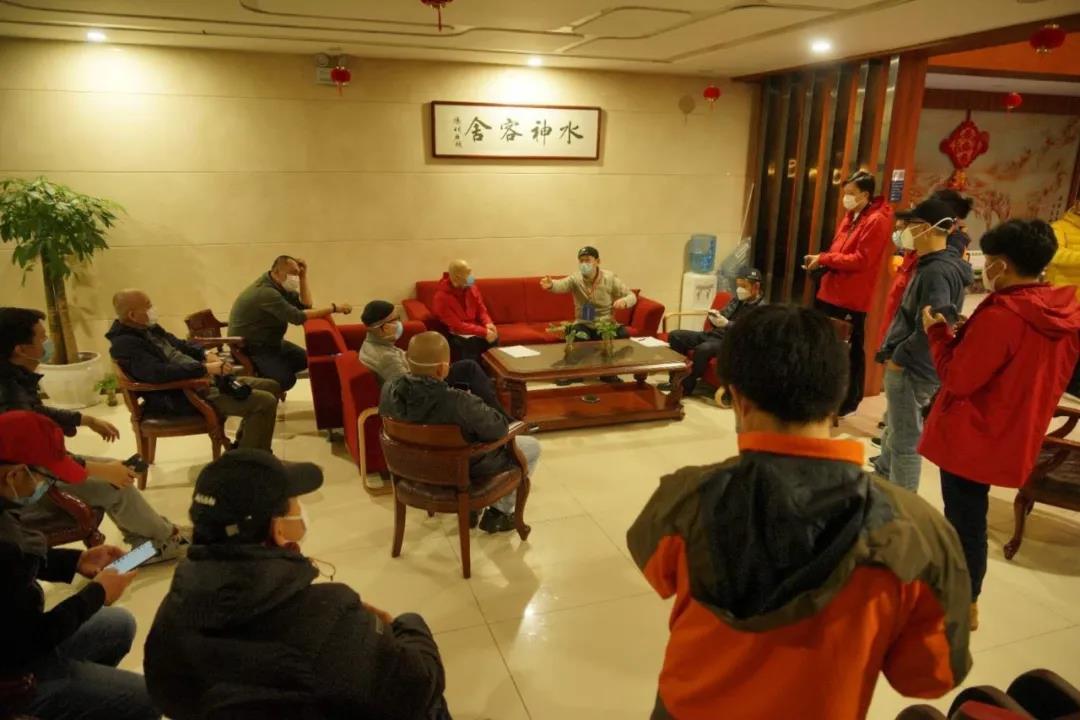 河南摄影小分队抵达武汉,拍摄工作顺利启动